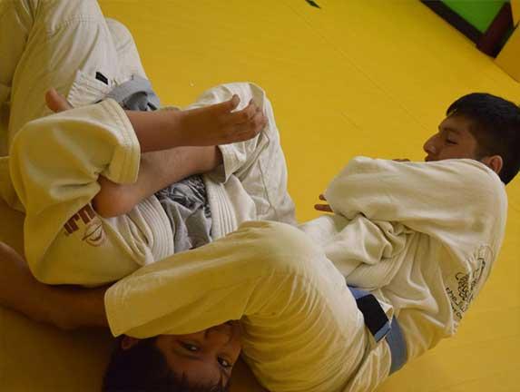brazilian-jiu-jitsu-fundamentals-slider (12)