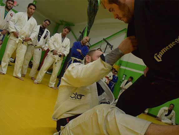 brazilian-jiu-jitsu-fundamentals-slider (14)