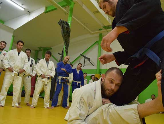 brazilian-jiu-jitsu-fundamentals-slider (15)