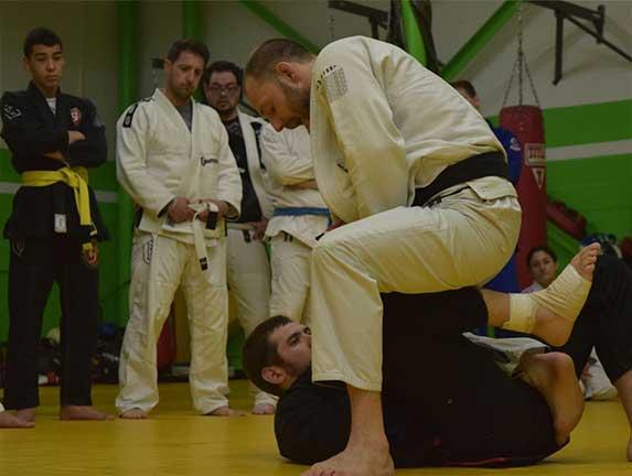 brazilian-jiu-jitsu-fundamentals-slider (16)