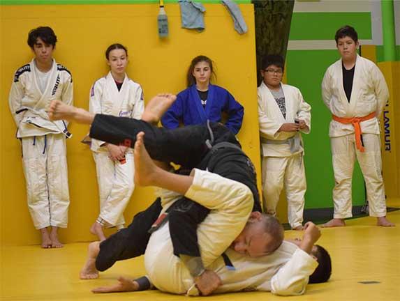 brazilian-jiu-jitsu-fundamentals-slider (20)