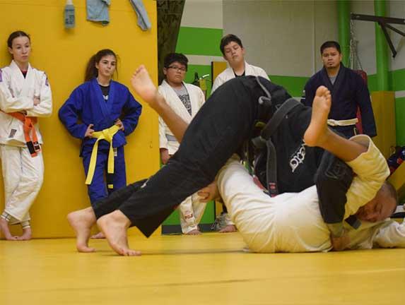 brazilian-jiu-jitsu-fundamentals-slider (9)